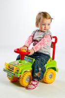 Odrážedlo auto Jeep Yupee zelené 53,5x48,3x26cm v krabici od 12 do 35 měsíců Teddies
