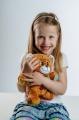 Medvěd Vojtík pohádkový česky mluvící plyš 30cm na baterie 25x30cm v krabici 12m+ interaktivní Teddies